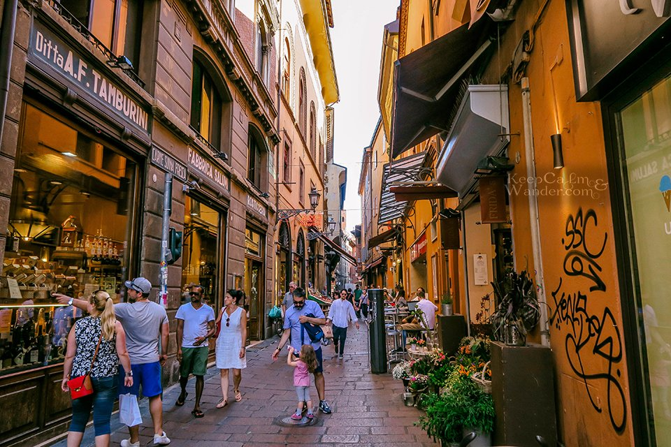 Travel Itinerary: A Day in Bologna (Quadrilatero - Italy).