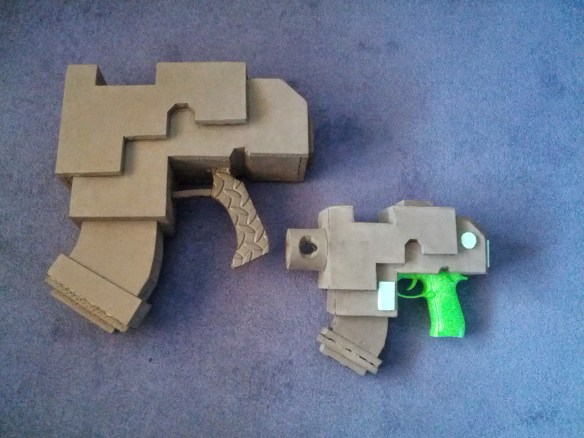 Child scale 40K Bolt Pistol