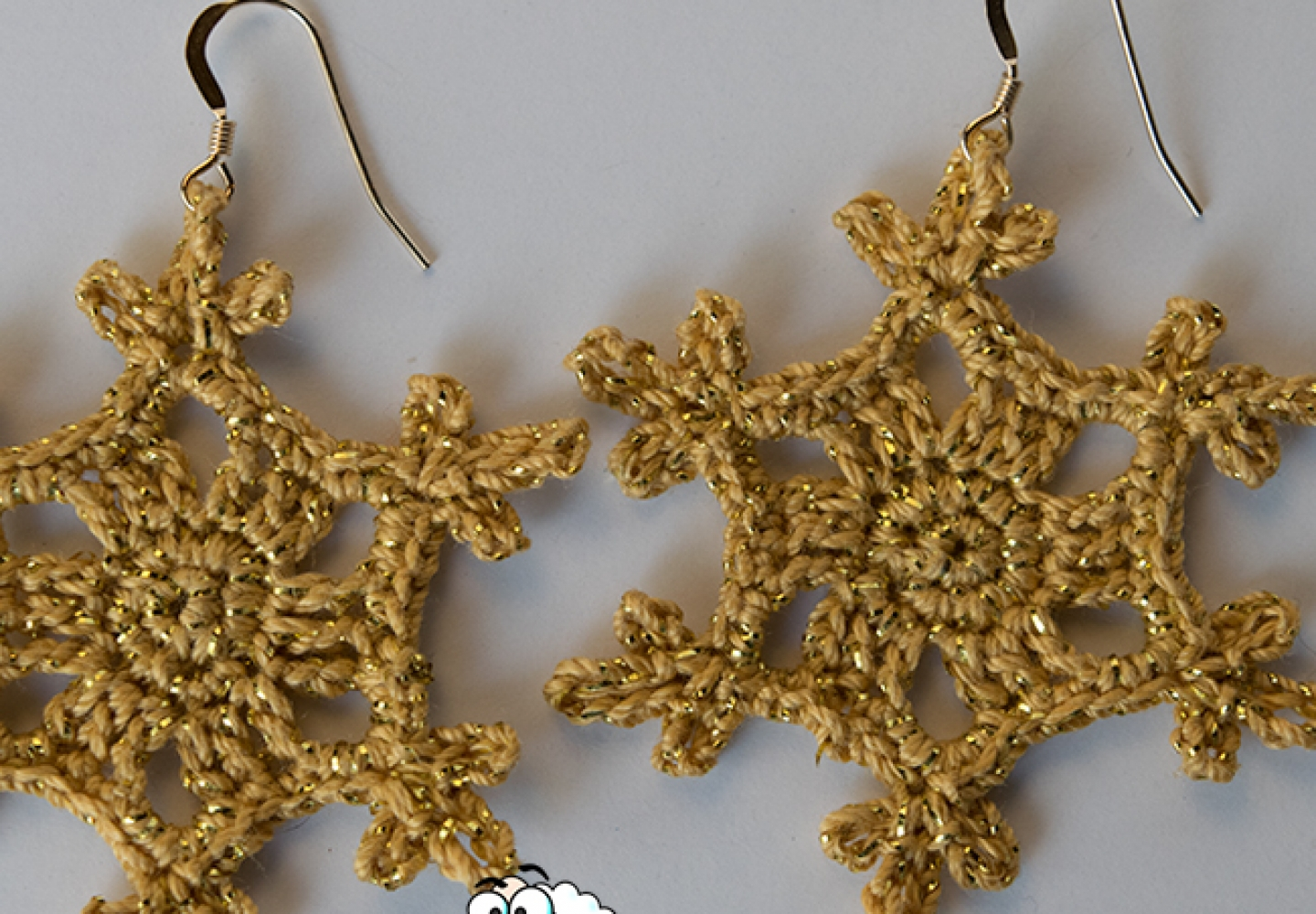 gold-snowflake-website-catalog