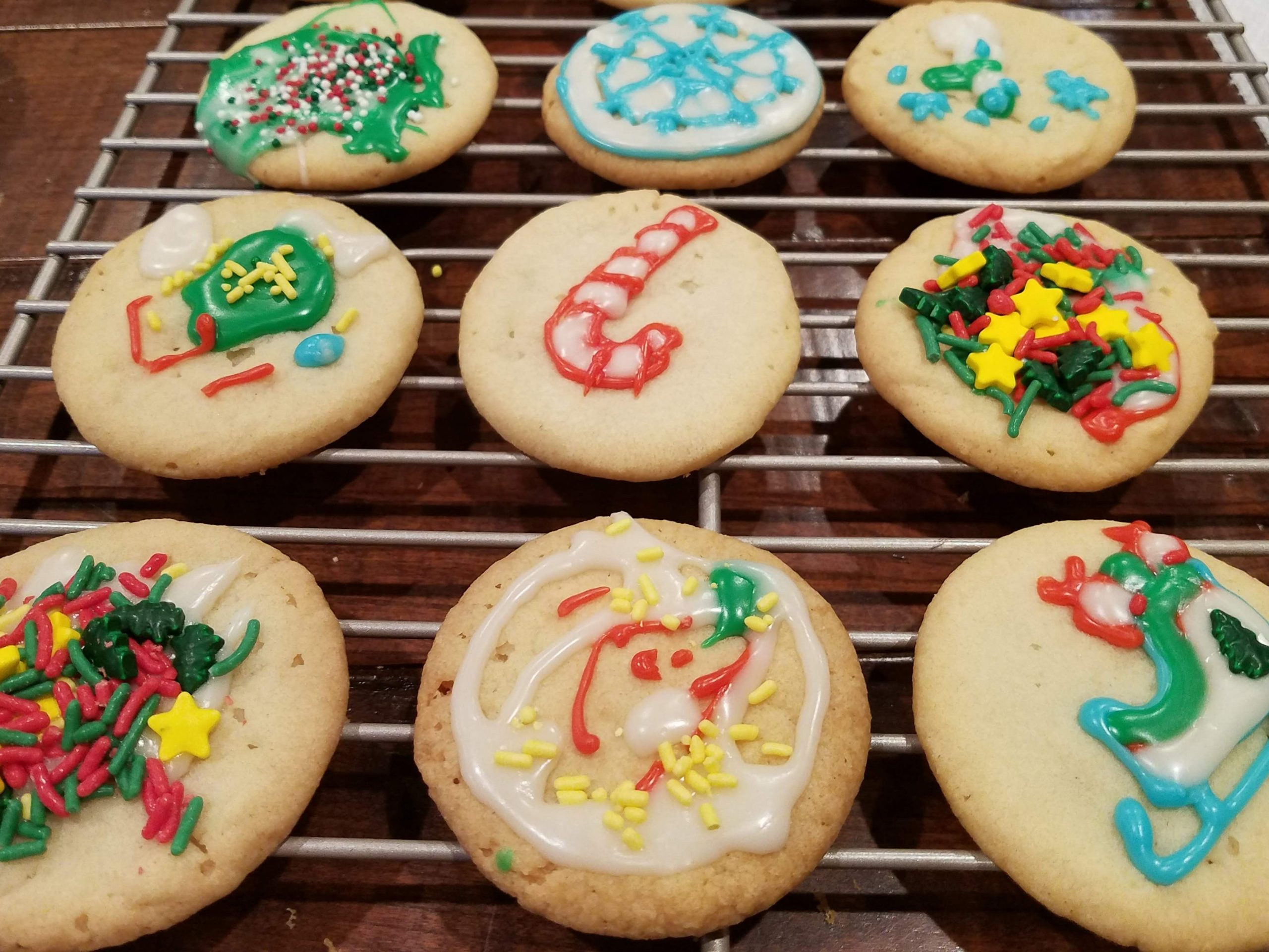 Holiday cookie decorating!