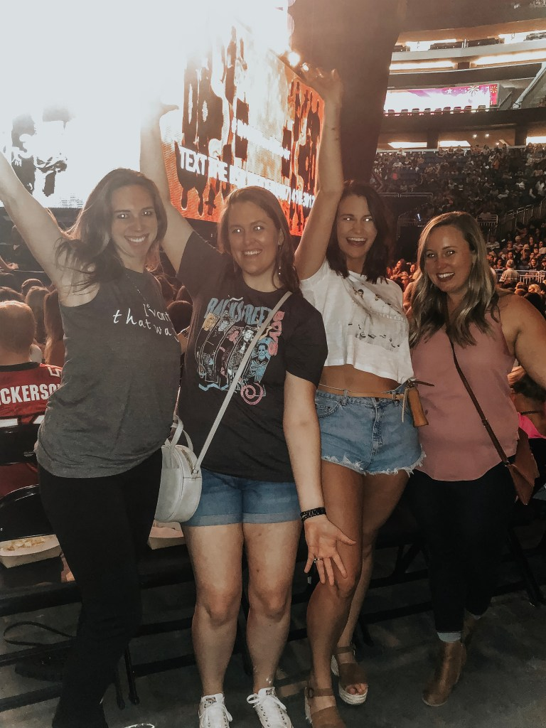 26 Thoughts You Definitely Had At The Backstreet Boys DNA World Tour Concert