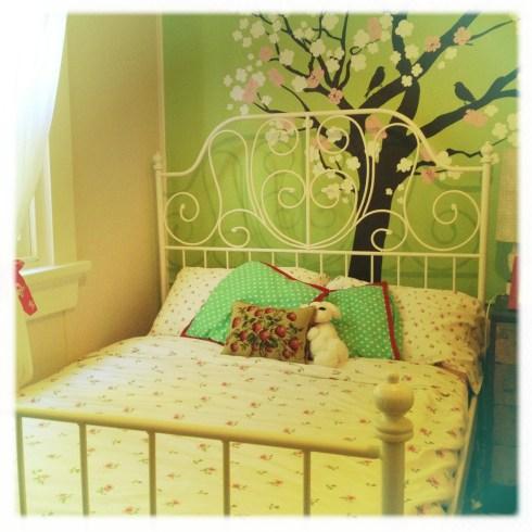 Kiki's new bed
