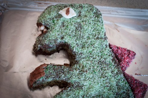 head close up for dinosaur cake