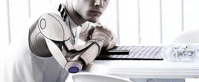 El humano aumentado por la colaboración hombre y maquina