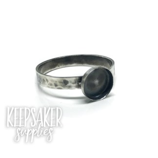 hammered band ring with antique effect, 3mm wide band and 8mm wide bezel cup. Solid sterling silver, for filling with resin or an 8mm cabochon