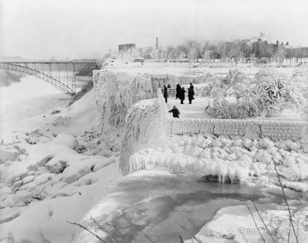 Niagara-Falls-Frozen-Black-and-White-Wallpaper