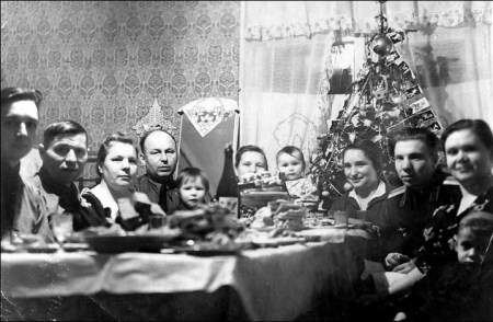 inside_family_at_the_table