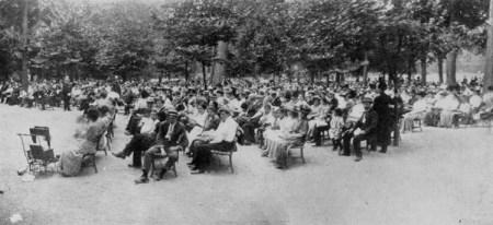 AR605_1910_Listening to the Music-Prospect Park_lg