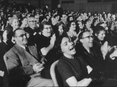 ralph-morse-an-audience-watching-the-play-man-in-a-dog-suit