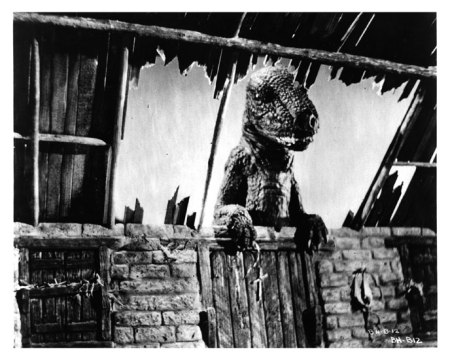 photo-la-montagne-mysterieuse-the-beast-of-hollow-mountain-1956-2