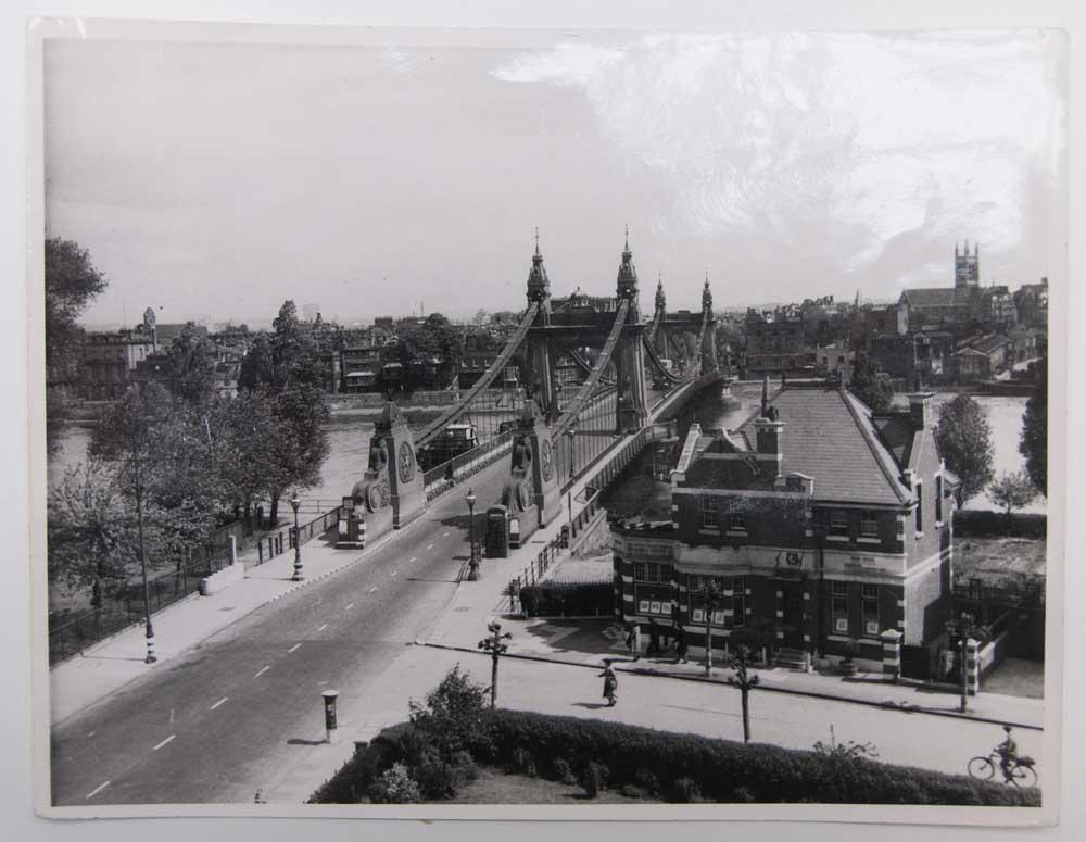 Hammersmith-Bridge