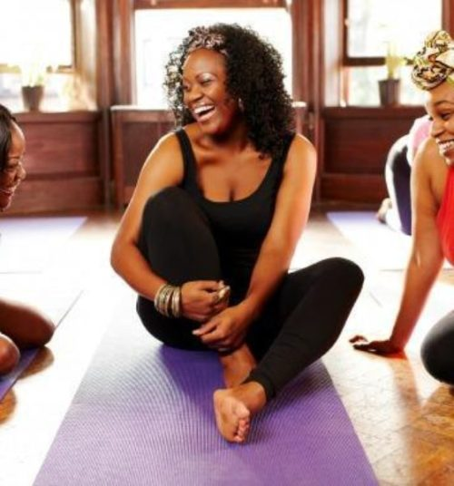 black-women-doing-yoga-560x600