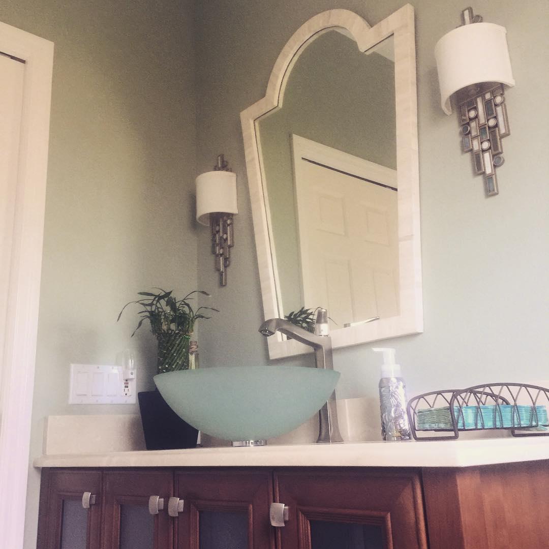 funkyfunbathroom keffies ecochic locallovesrq srqdesign srqdesigner interiordesign interiordesignsrq keffiesecochicboutique keffies