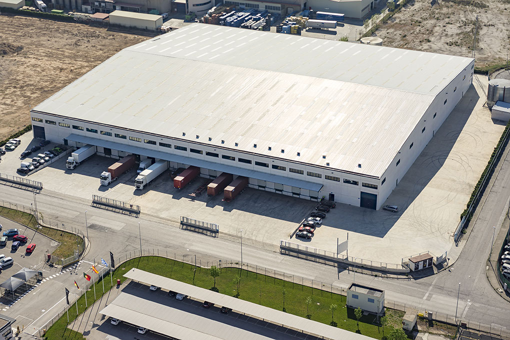 Opportunity to lease a recently refurbished Grade A logistics warehouse in Azuqueca de Henares