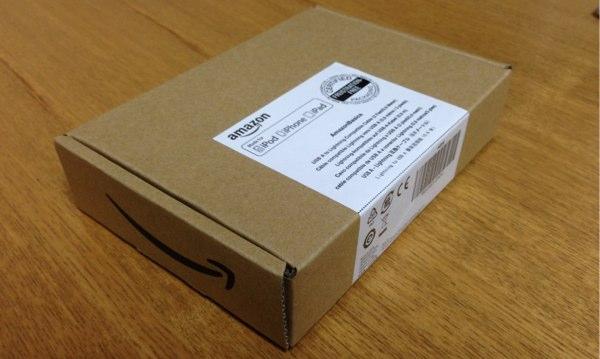 Amazonライトニングケーブル箱