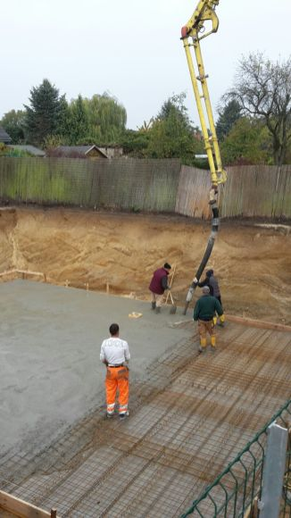Beton wird eingebracht