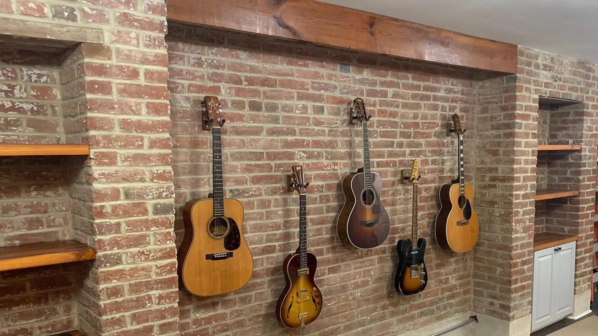 GuitarWall-Shelves-2