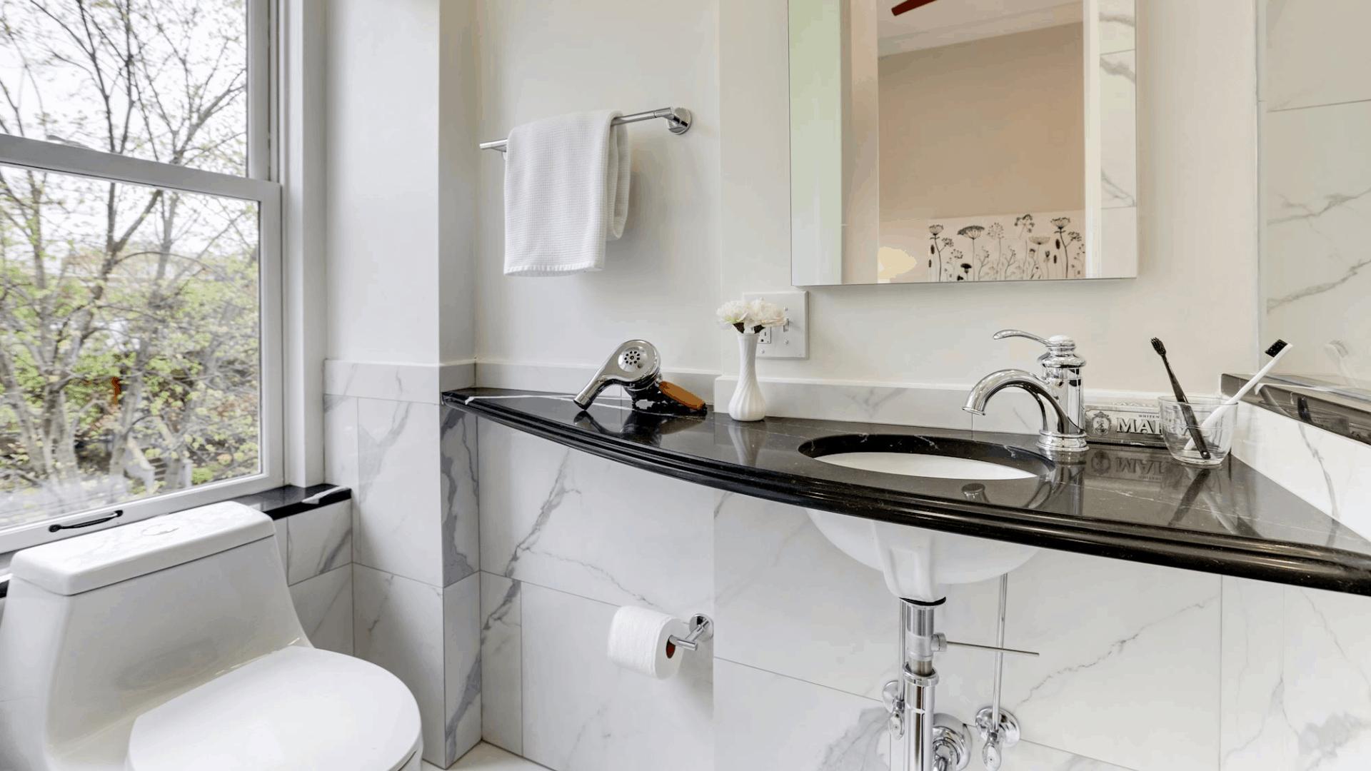 A_SE#2_bath_sink_counter_1920x1080