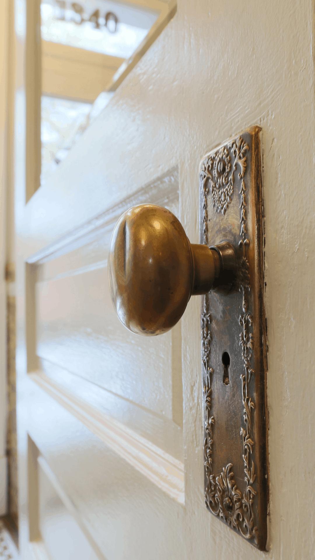 A_SE#2_doorknob_1080 x 1920