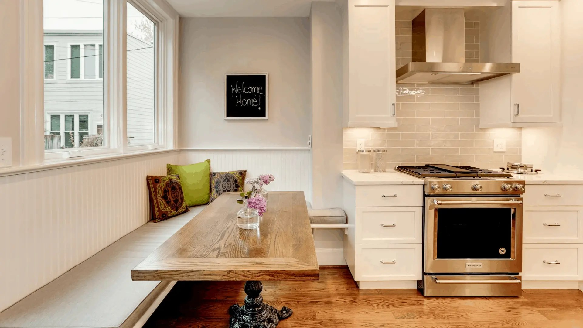A_SE#2_kitchen_banquette_craftedtable_1920x1080