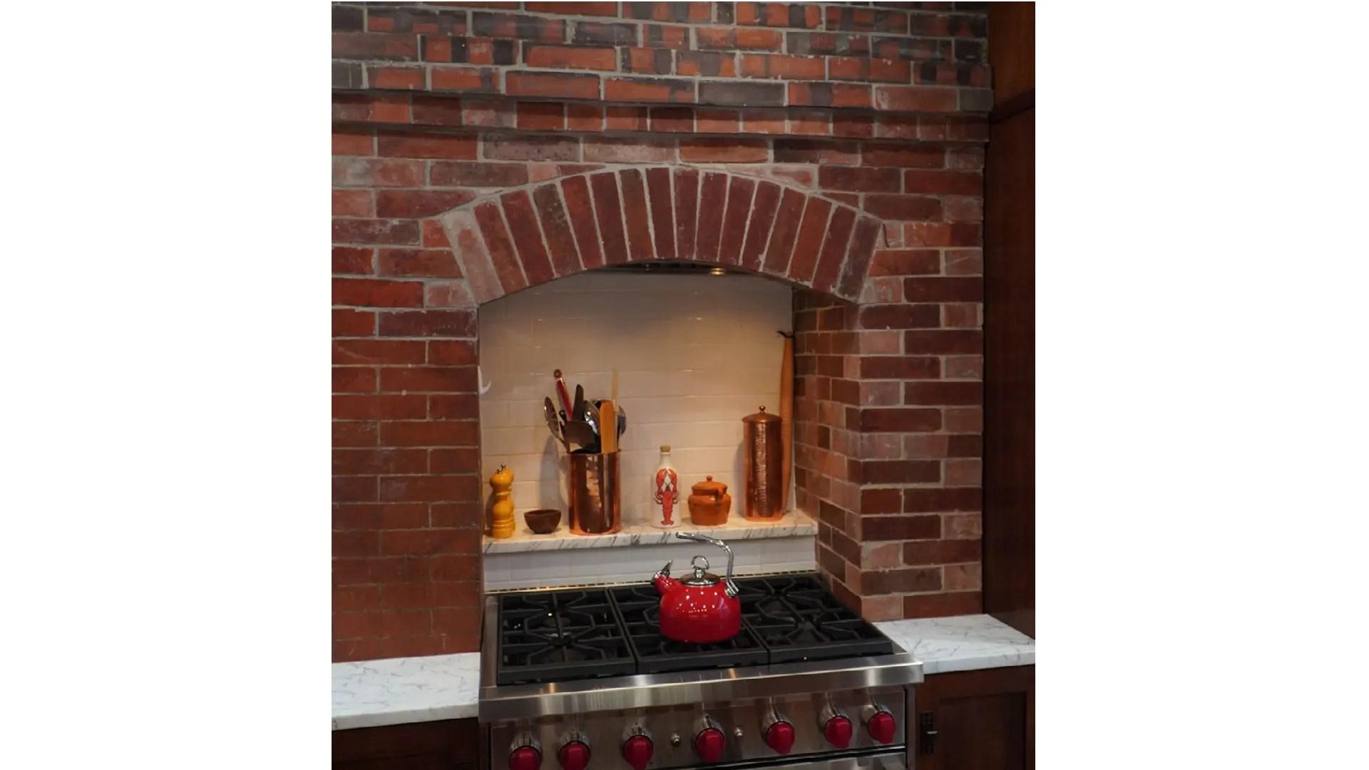 Keil-Kitchen-Hood-Brick