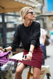 sweatshirt skirt