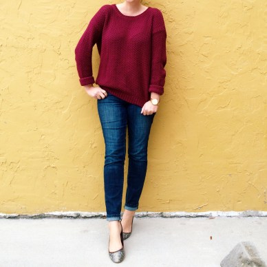 Daily uniform: oversized sweater, skinnies, flats.