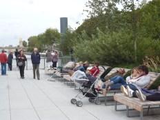 Deck chairs on les berges de Seine