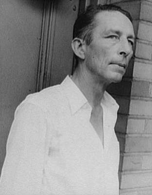Photo of Robinson Jeffers, 1937 By Carl Van Vechten [Public domain], via Wikimedia Commons