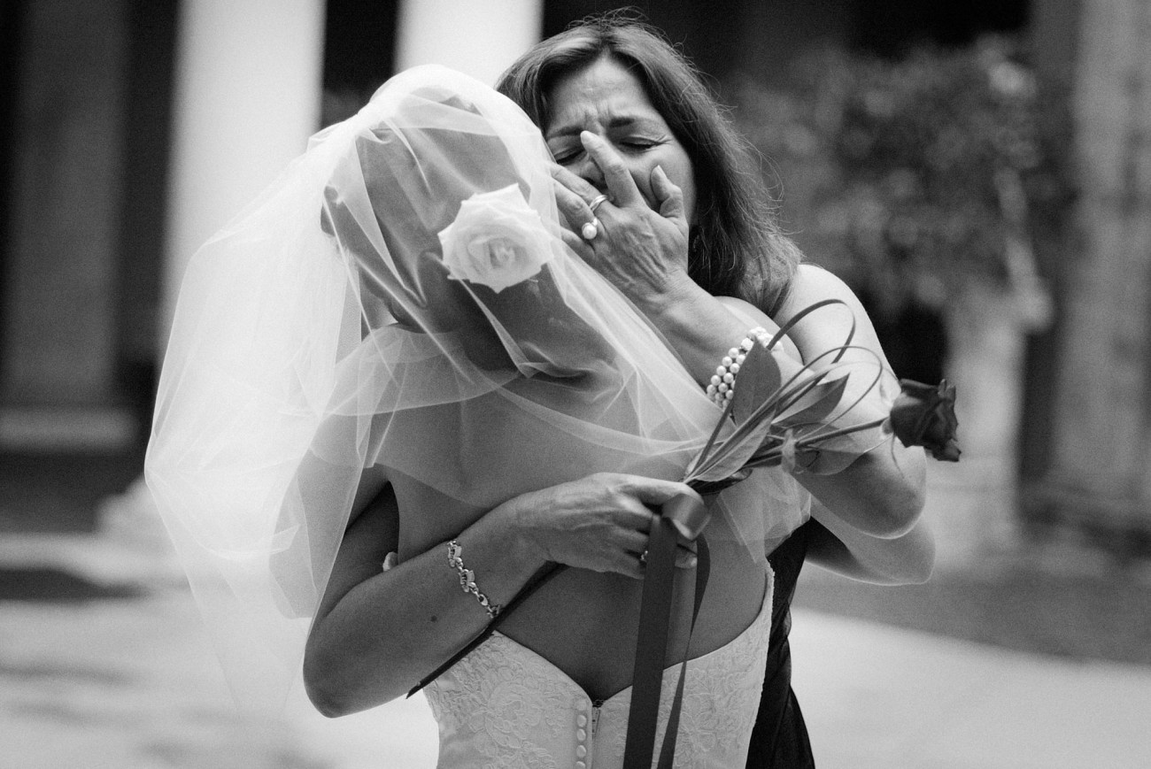 A wedding day emotional moment between a bride and her mom