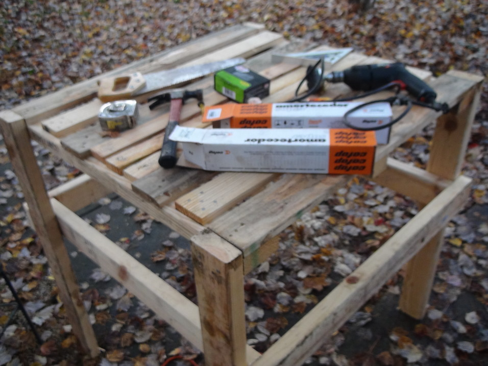 Day 28  Building a Wooden Pallet Work Table