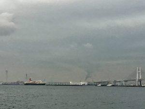 日本丸神戸に向けて出港