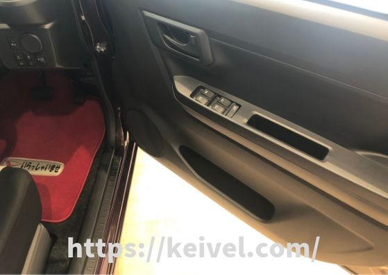 新型ミライース 運転席ドアサイドポケット