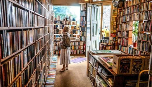民間医局書店で医学書やCD・DVDを安く買う方法とメリット・デメリット