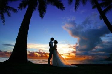 結婚式にお呼ばれした時におすすめなドレスの色をご紹介