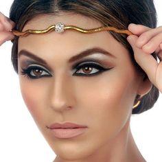 Cleopatra-inspired make up