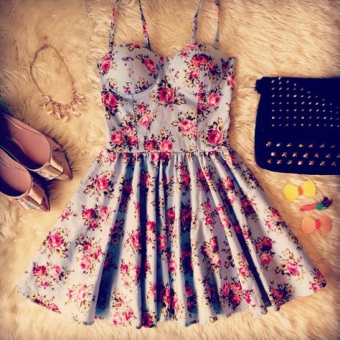 dw7kai-l-610x610-dress-bustier-dress-floral-dress-summer-light-blue-pink-roses-shoes-bag-jewels-floral-blues-floral-print-dress-clothes-flowers-tight-flowery-dress-blue-red-hat-comic-bustier-pretty