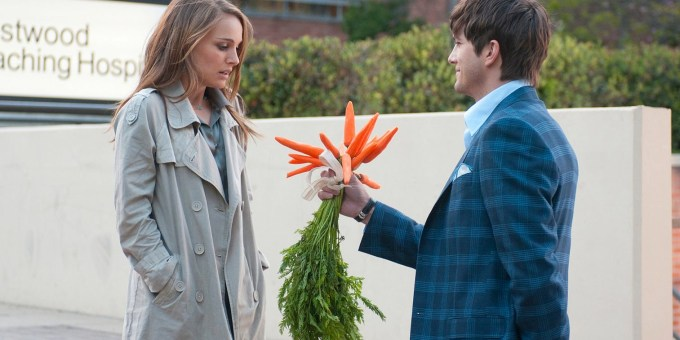 2011_no_strings_attached_001