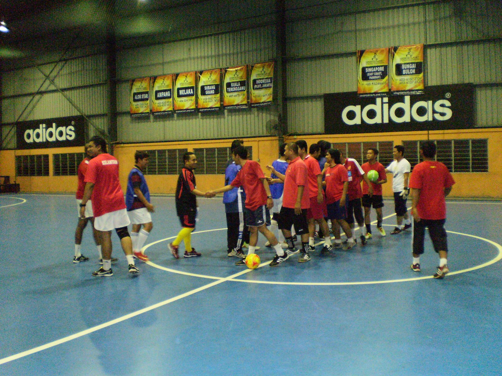 Gambar futsal persahabatan  Blog penyokong The ReD