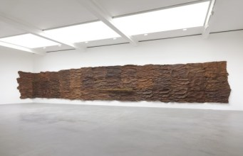 Giuseppe Penone, 'Scrigno' (installation view), 2007, leather, bronze, gold, and resin, in 'Circling' at Gagosian, London. Image courtesy Gagosian.com. Photo credit Mike Bruce.