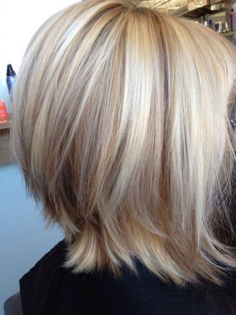 Coupe de cheveux carr blond