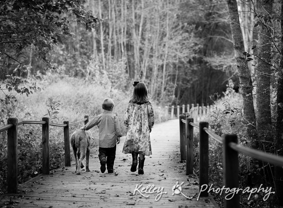 Smyrna-Photograher-Family-Nature-Walk-5180-bw
