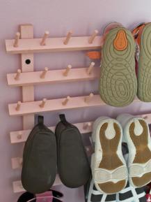 original_amanda-hervey-baby-shoe-rack_shoe-storage_hgtv_s3x4-jpg-rend-hgtvcom-966-1288