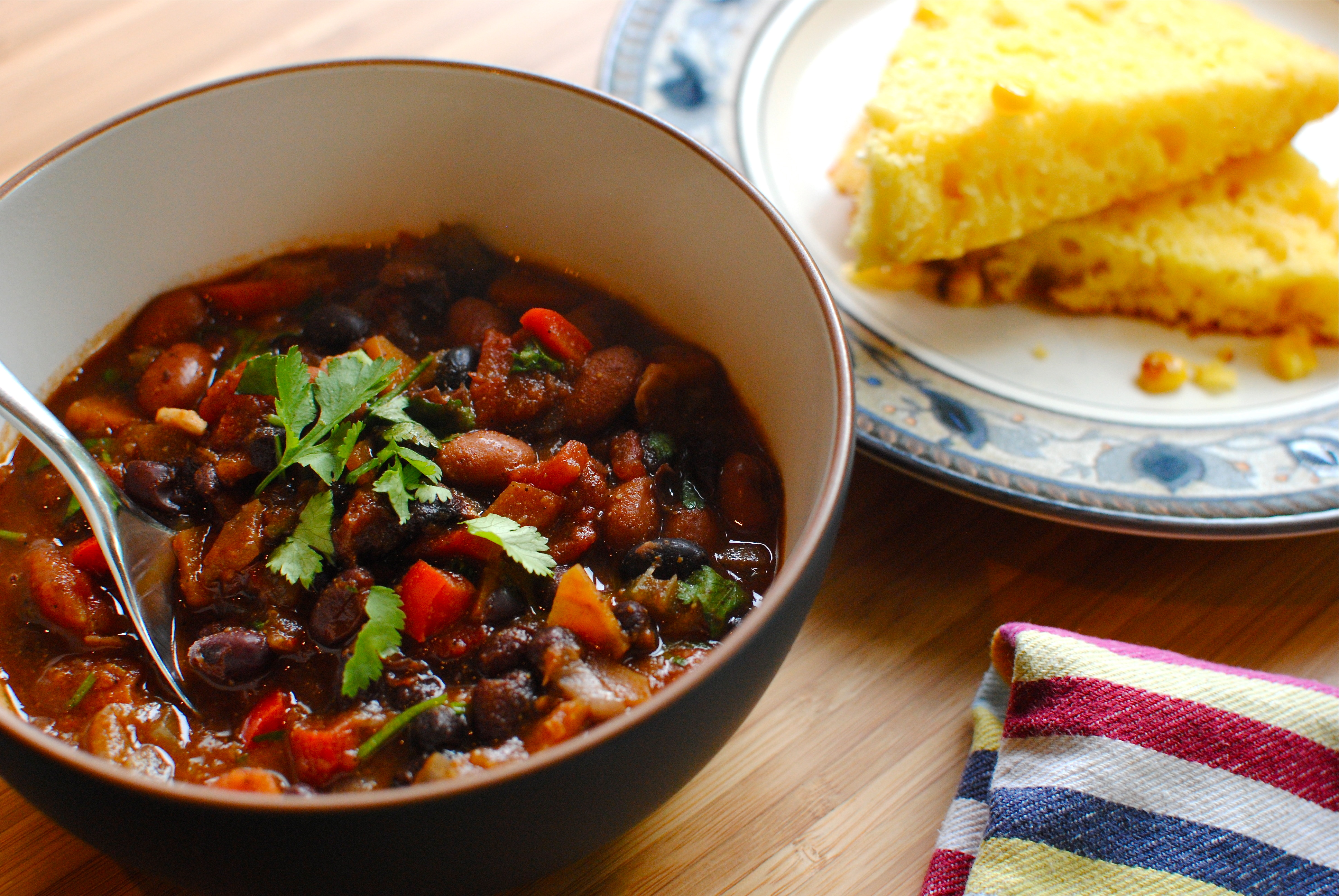 Very Veggie Black Bean Chilli With Southern Cornbread Food To Glow
