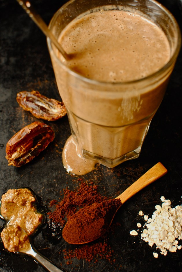 frozen banana and almond wakeup shake