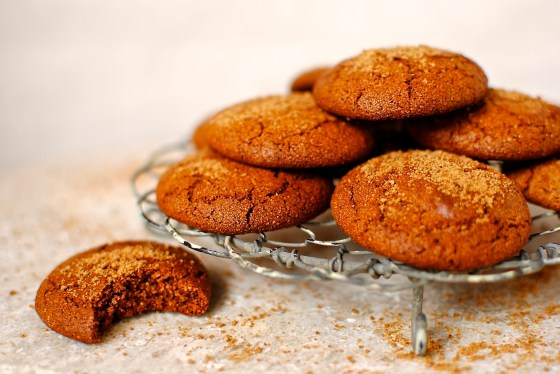 soft molasses crinkle cookies