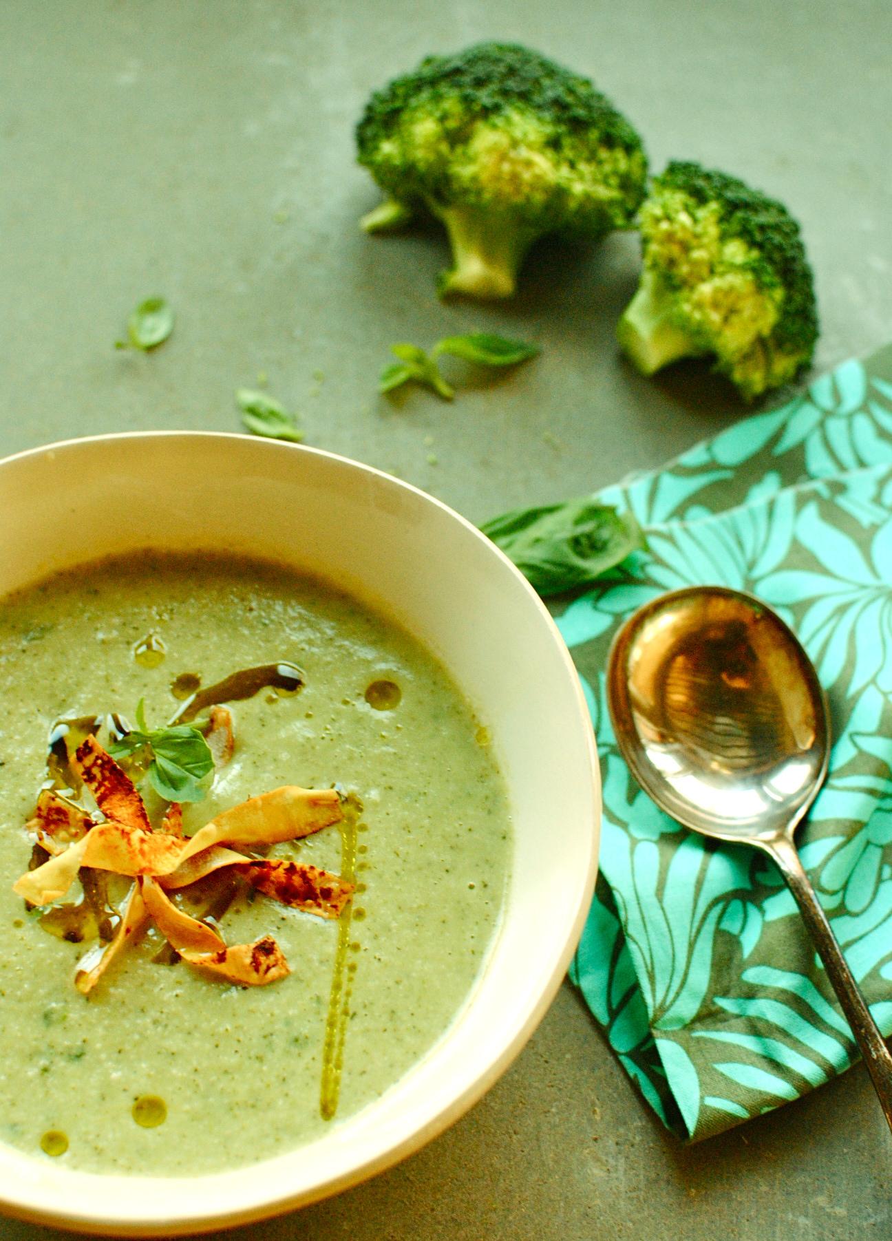 'creamy' broccoli and basil soup