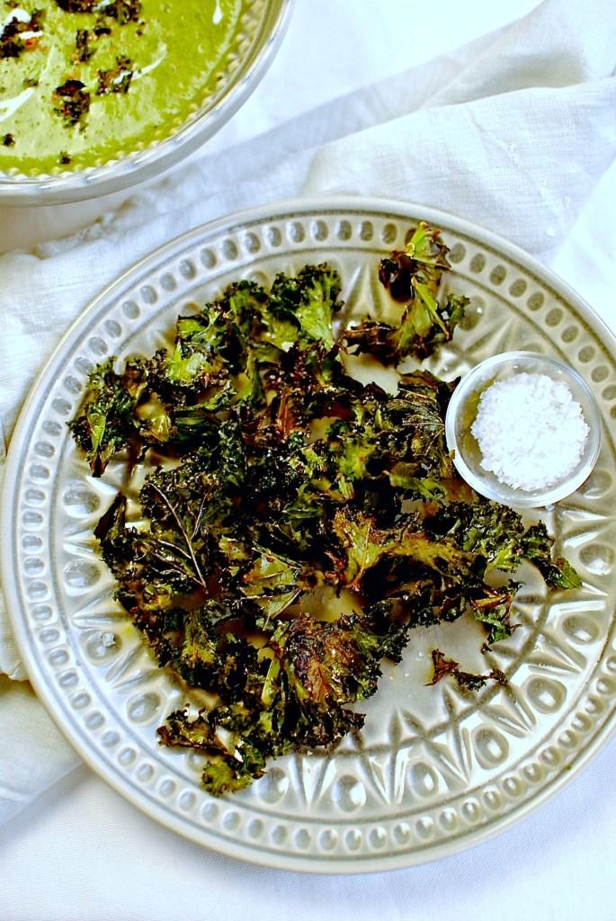 kale crisps-kale soup // food to glow