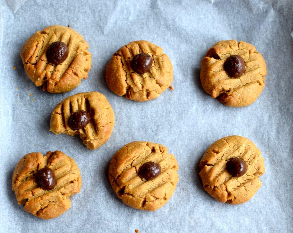 cashew and coffee cookies // food to glow #vegan #glutenfree #grainfree #baking #nuts