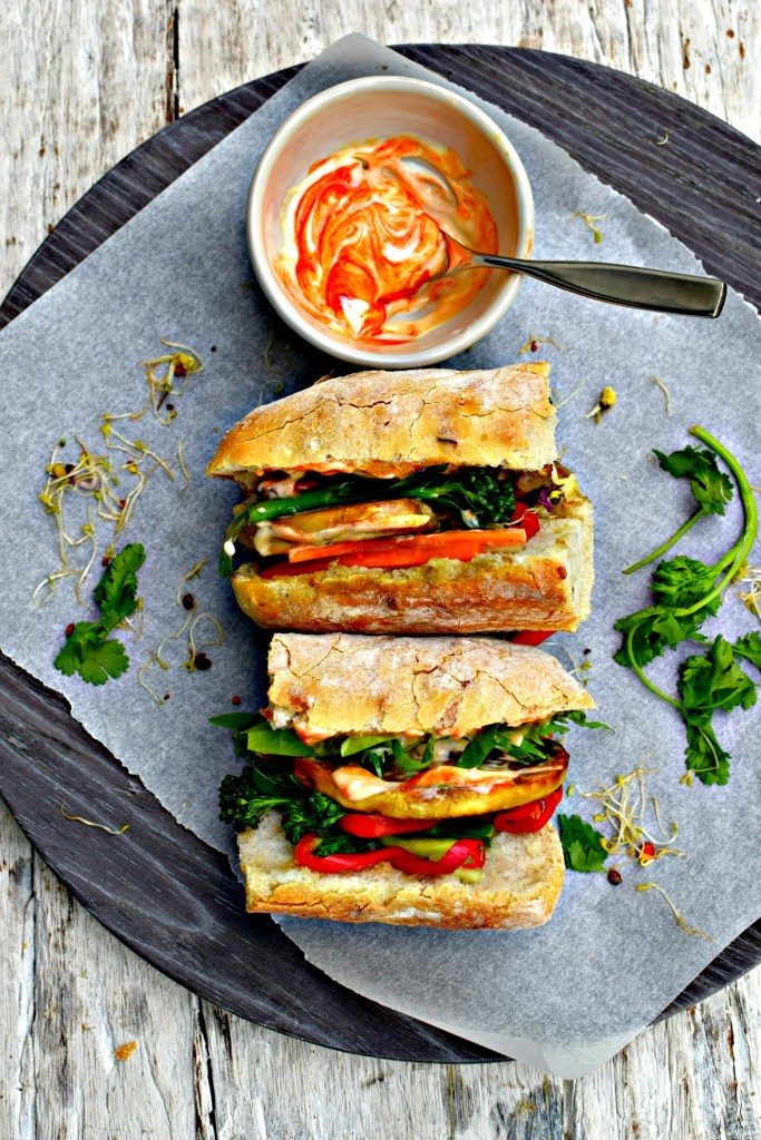 marinated mushroom banh mi // food to glow #sandwich #vitetnamesefood #mushrooms #vegetarian